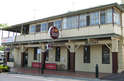 Commercial Hotel Alexandra - Lightning Ridge Tourism