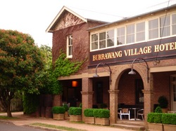 Burrawang Village Hotel - Lightning Ridge Tourism