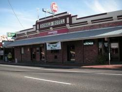 Donald Hotel - Lightning Ridge Tourism
