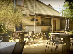 The Cosmopolitan Hotel - Lightning Ridge Tourism