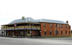 Bundarra Hotel - Lightning Ridge Tourism
