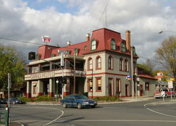 The Grand Hotel Healesville - Lightning Ridge Tourism