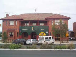 Commercial Hotel Hayfield - Lightning Ridge Tourism