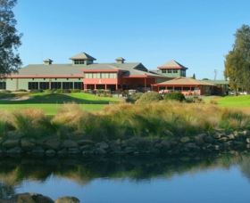 ClubCatalina Country Club - Lightning Ridge Tourism