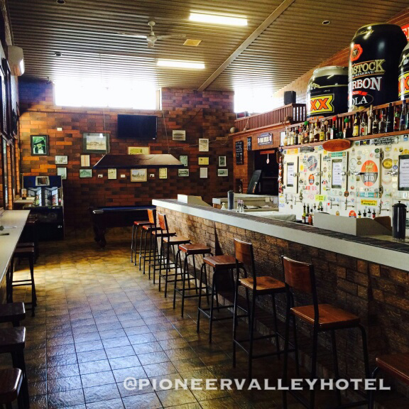 Pioneer Valley Hotel - Lightning Ridge Tourism
