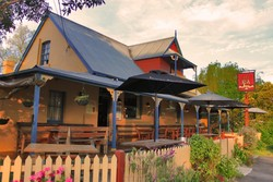 Royal Cricketers Arms - Lightning Ridge Tourism