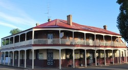 Brookton Club Hotel - Lightning Ridge Tourism