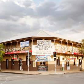 Old Sydney Hotel - Lightning Ridge Tourism