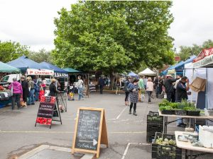 Alphington Farmers' Market - Lightning Ridge Tourism