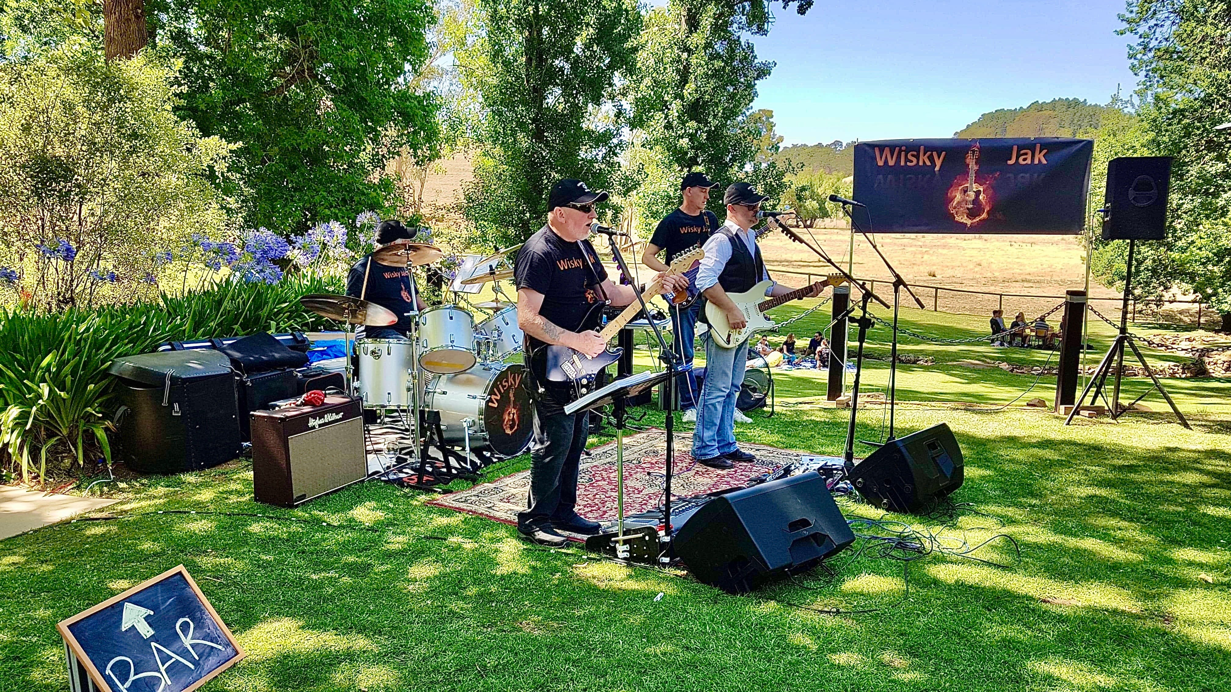 Angas Plains Wines Live in the Vines with the band -Wisky Jak - Lightning Ridge Tourism