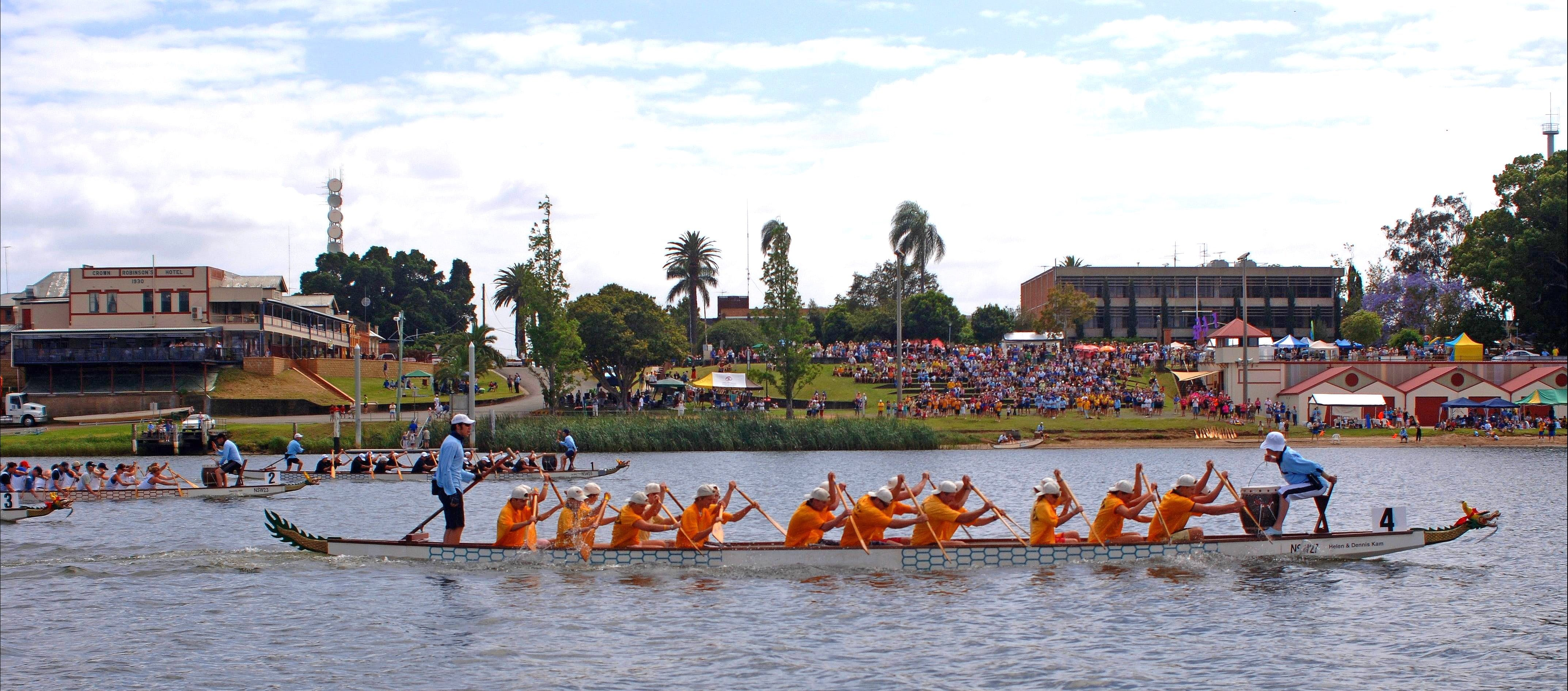 Jacaranda Dragon Boat Races - Lightning Ridge Tourism