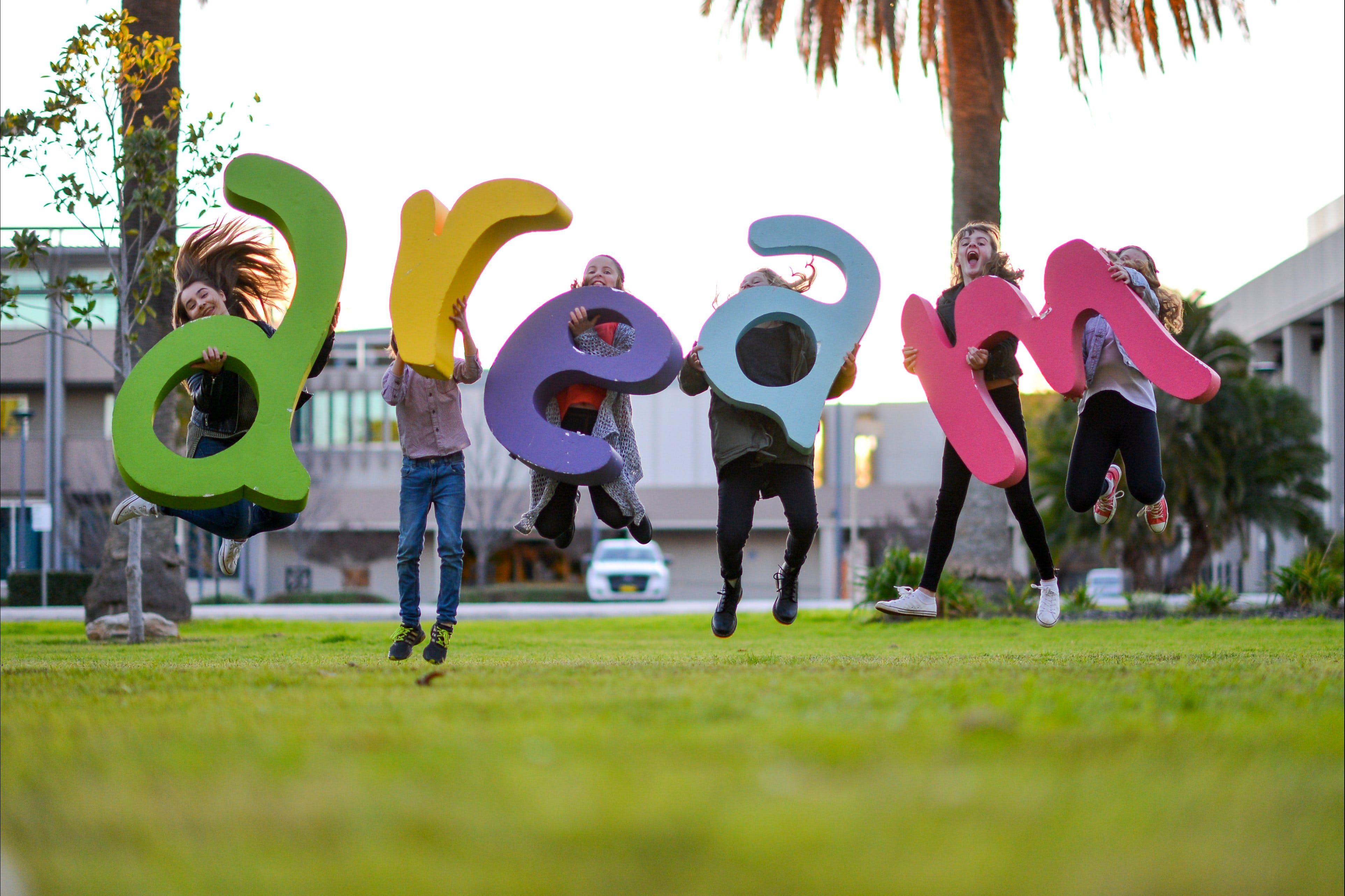 Macquarie Credit Union DREAM Festival - Lightning Ridge Tourism