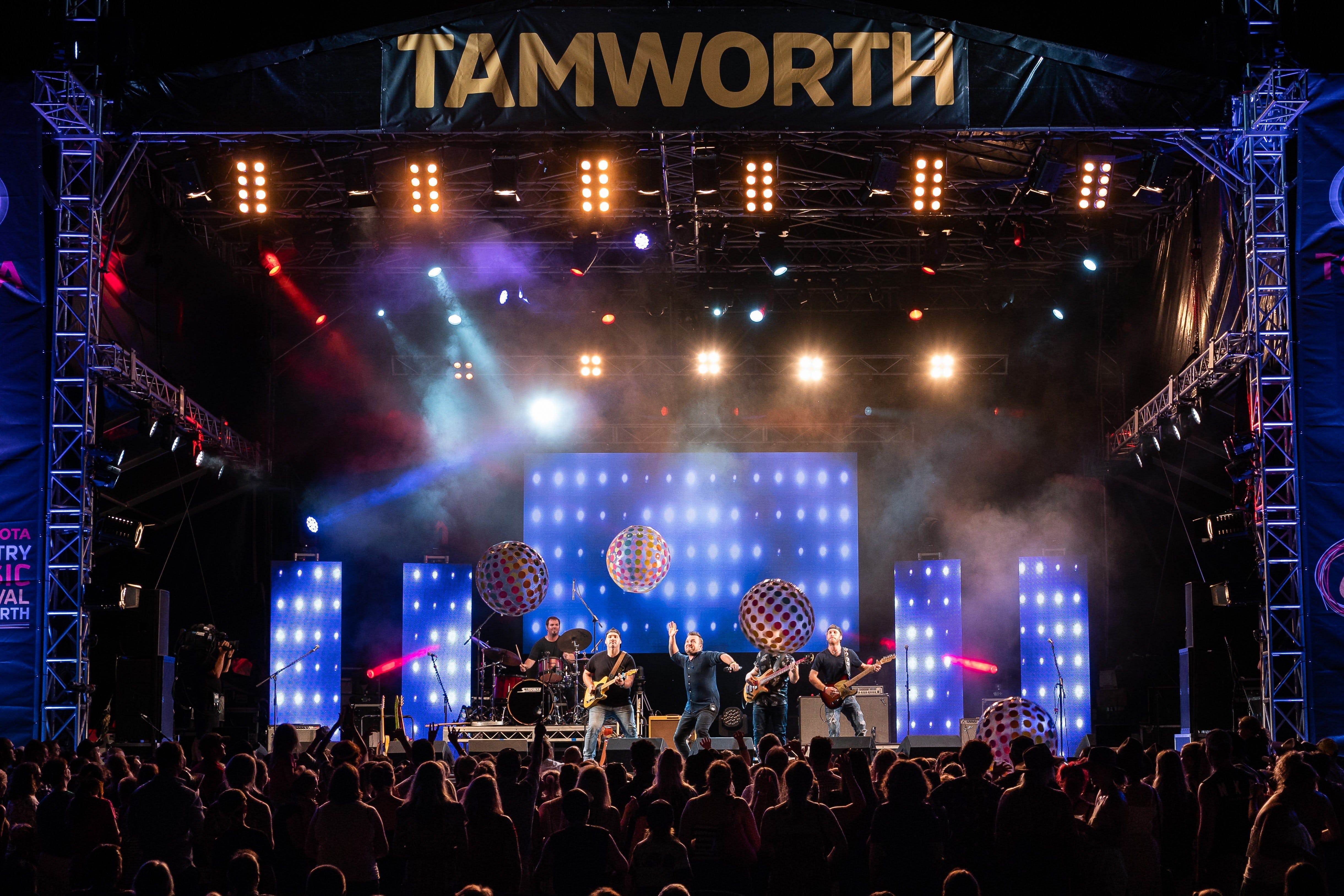 Toyota Country Music Festival Tamworth - Lightning Ridge Tourism