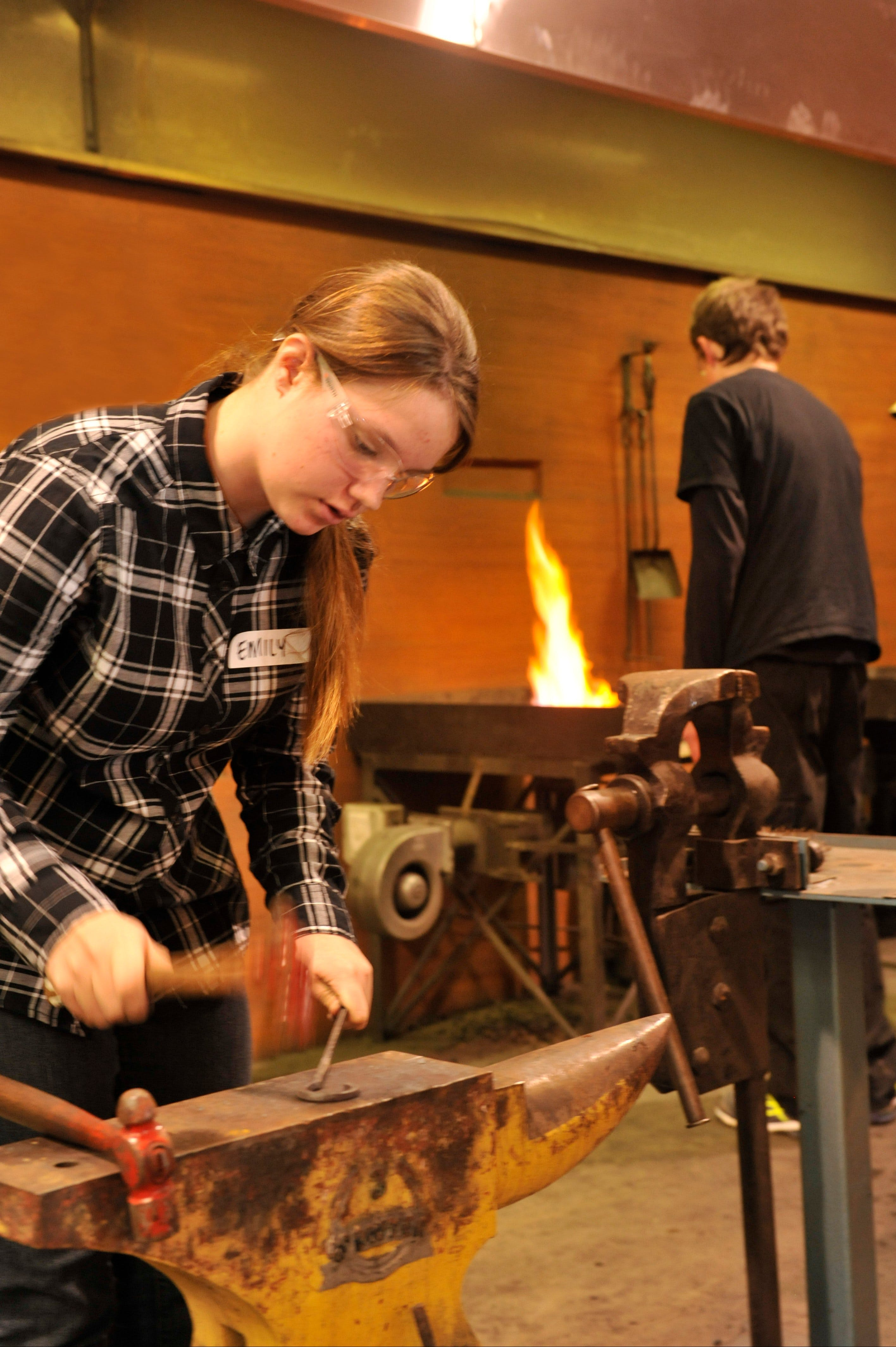 Blacksmithing Teen Workshop - Lightning Ridge Tourism