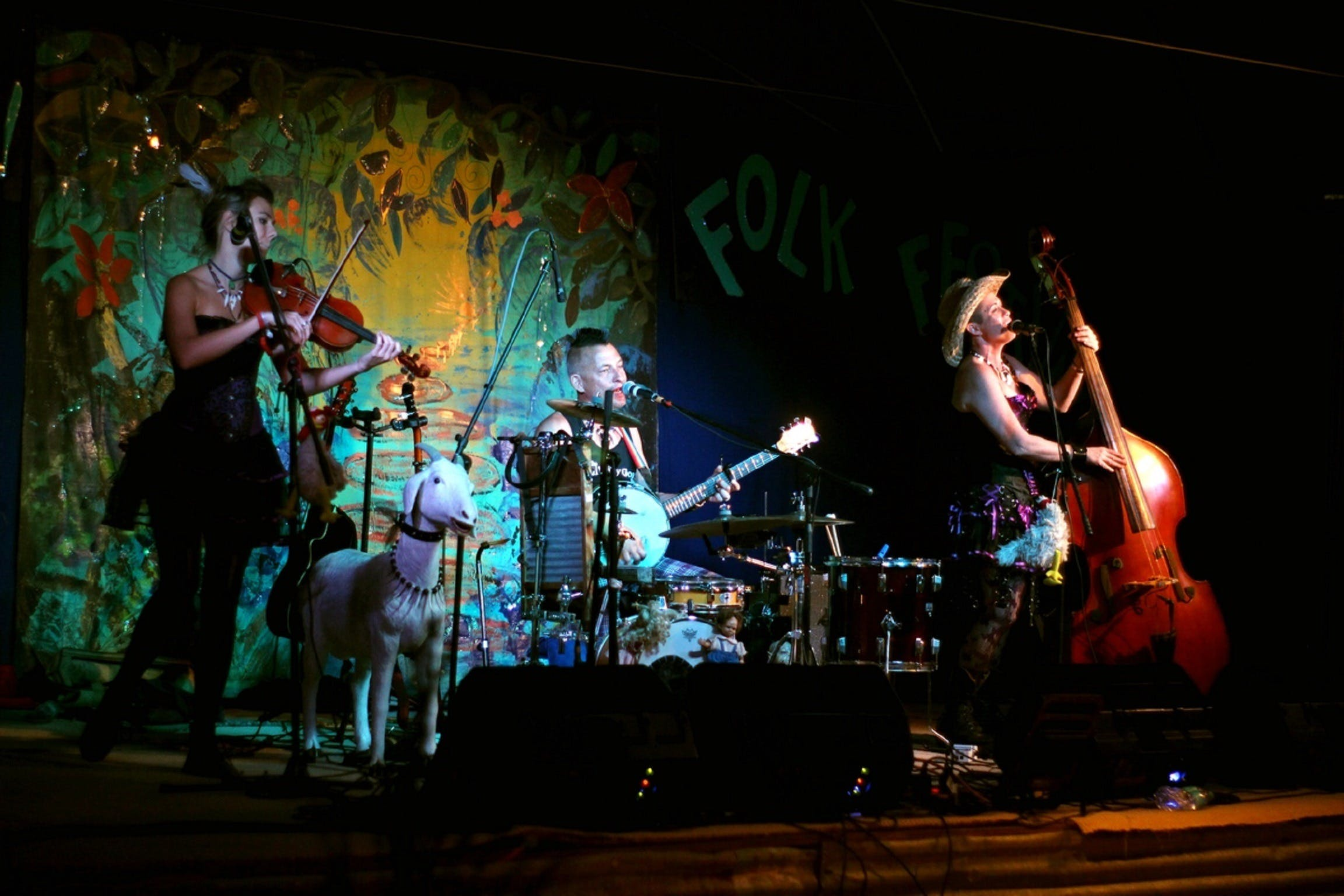 Bony Mountain Folk Festival - Lightning Ridge Tourism