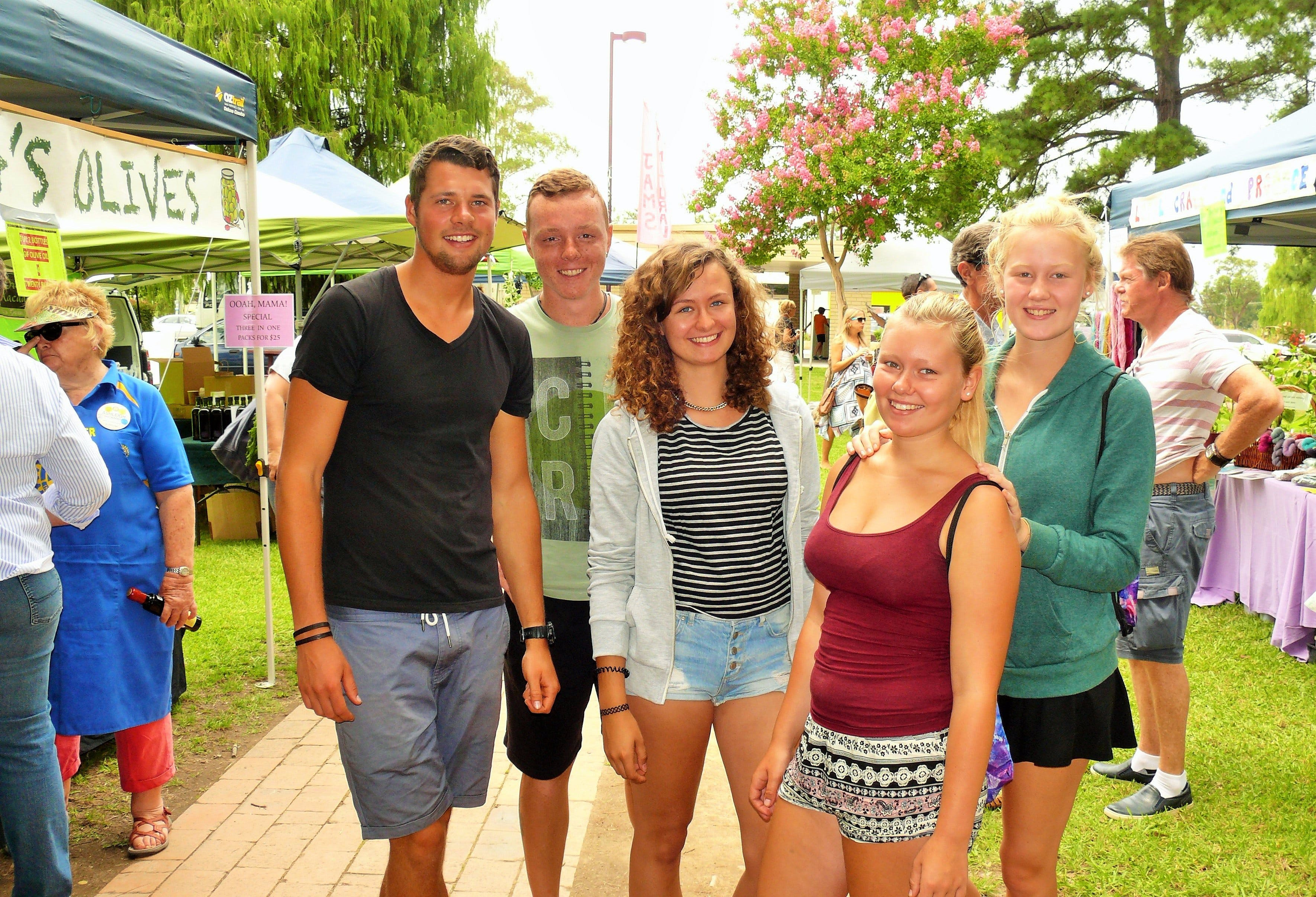Gloucester Farmers Market - Lightning Ridge Tourism