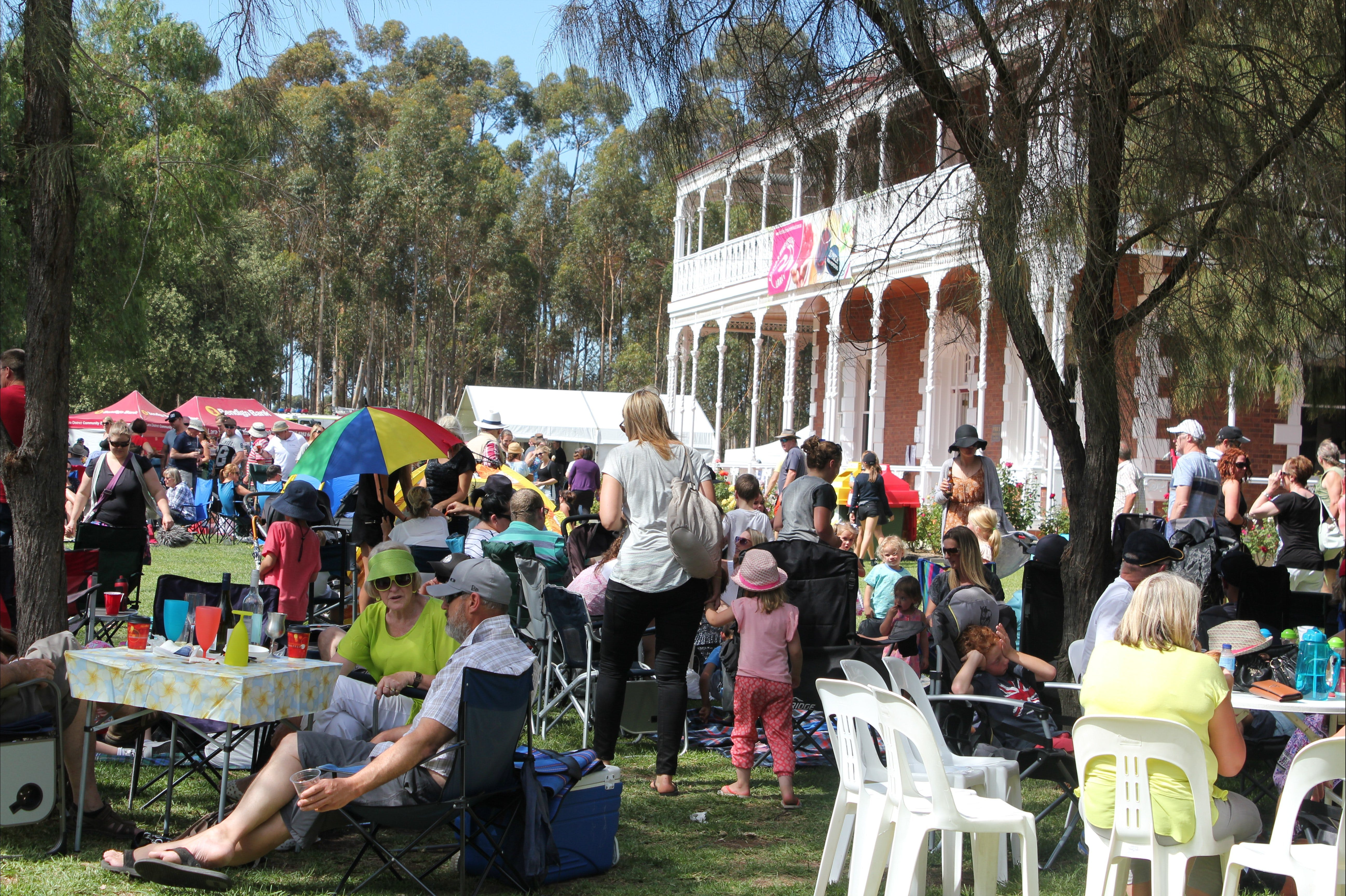 Lara Food and Wine Festival - Lightning Ridge Tourism