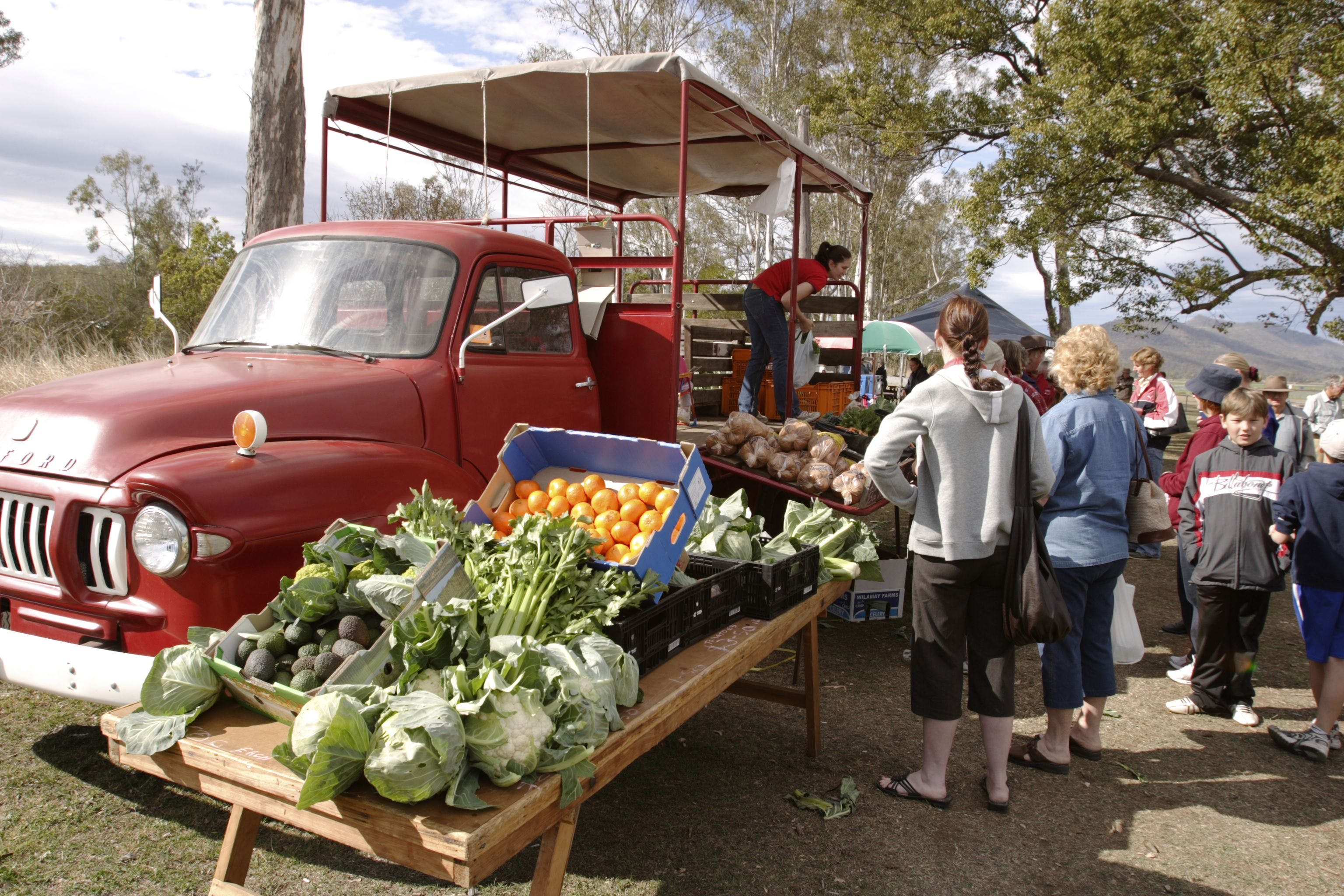 Murphys Creek Markets - Lightning Ridge Tourism