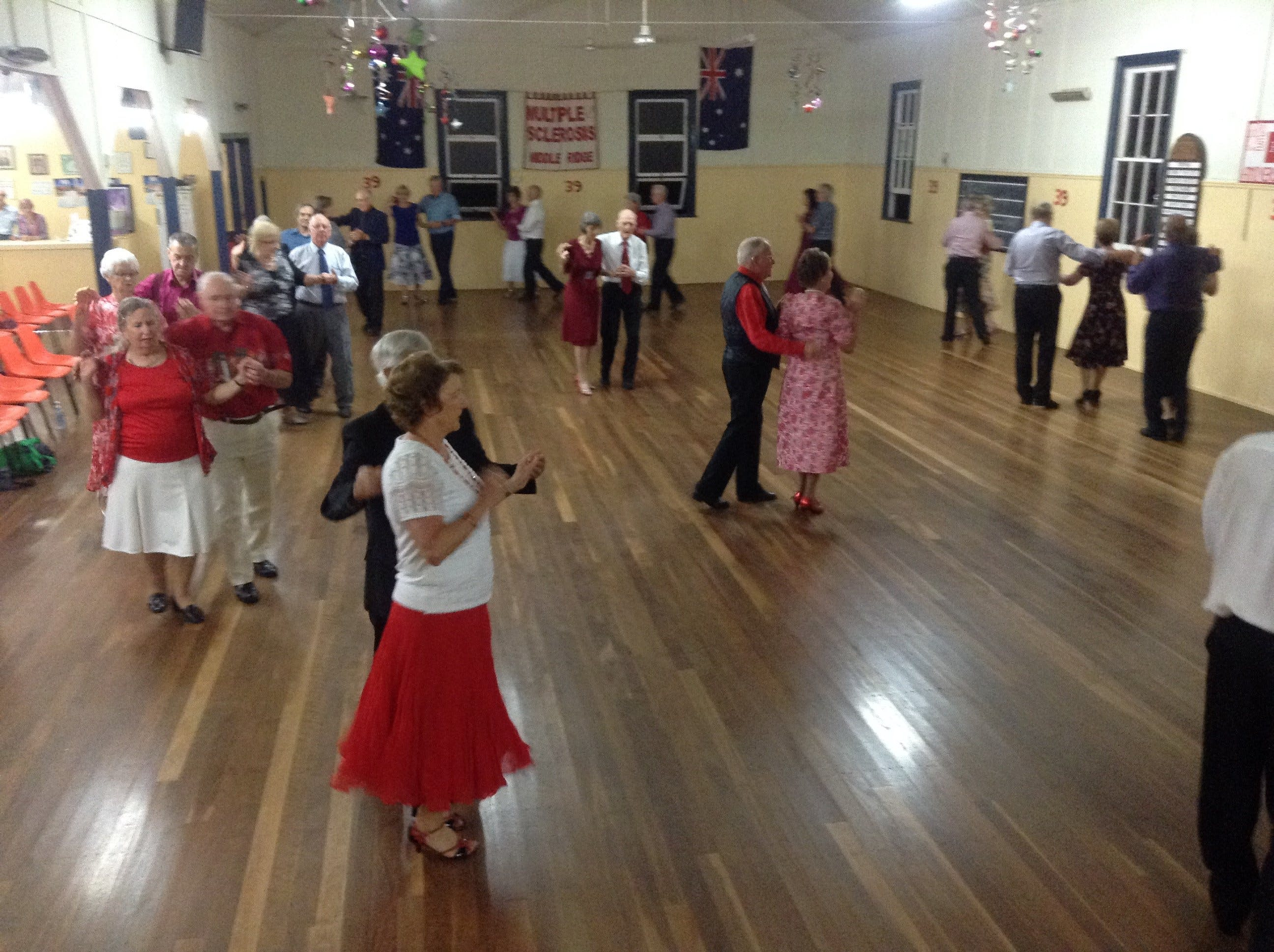 Old Time Dance - Lightning Ridge Tourism