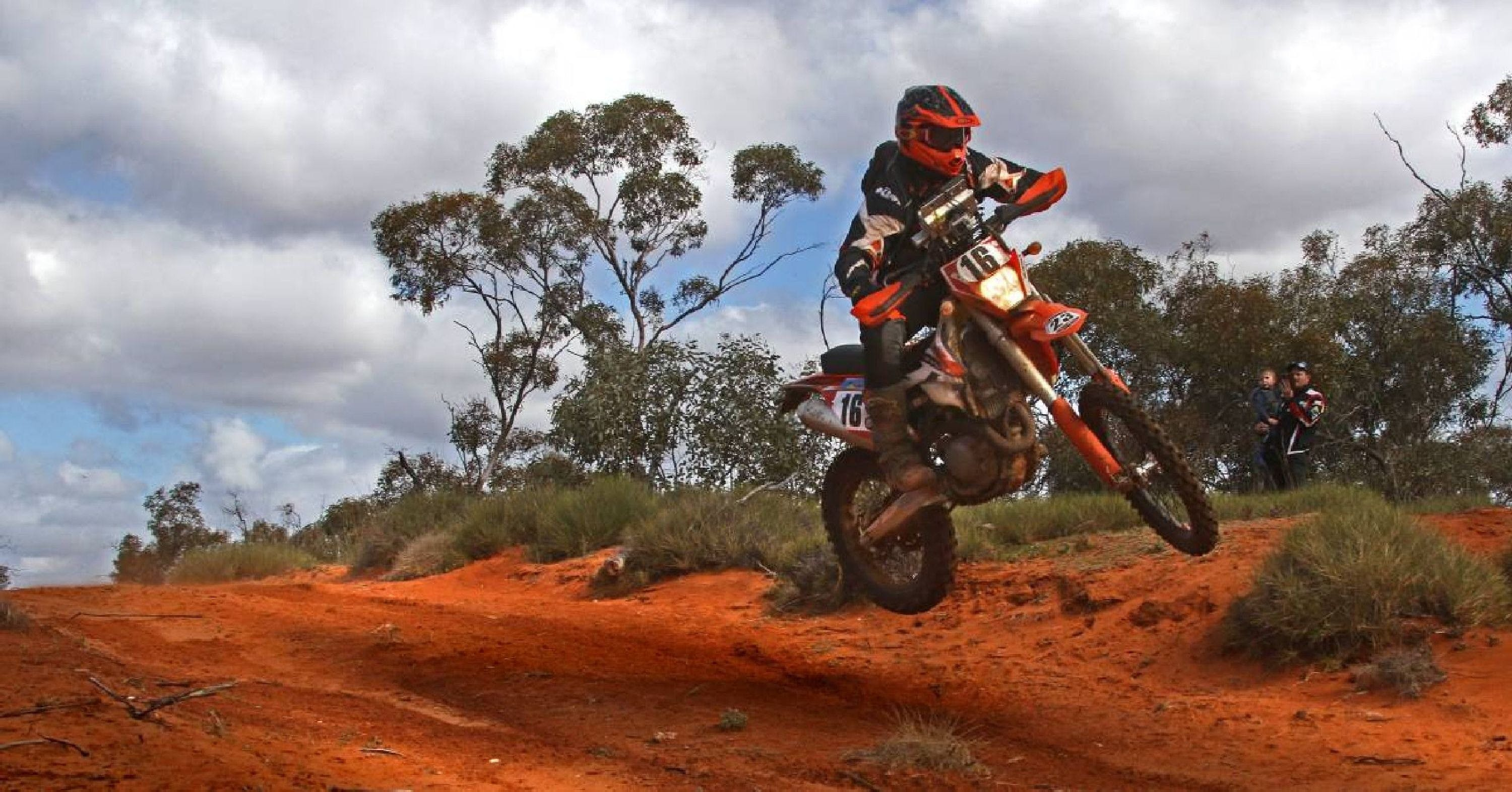 Sunraysia Safari Rally - Lightning Ridge Tourism