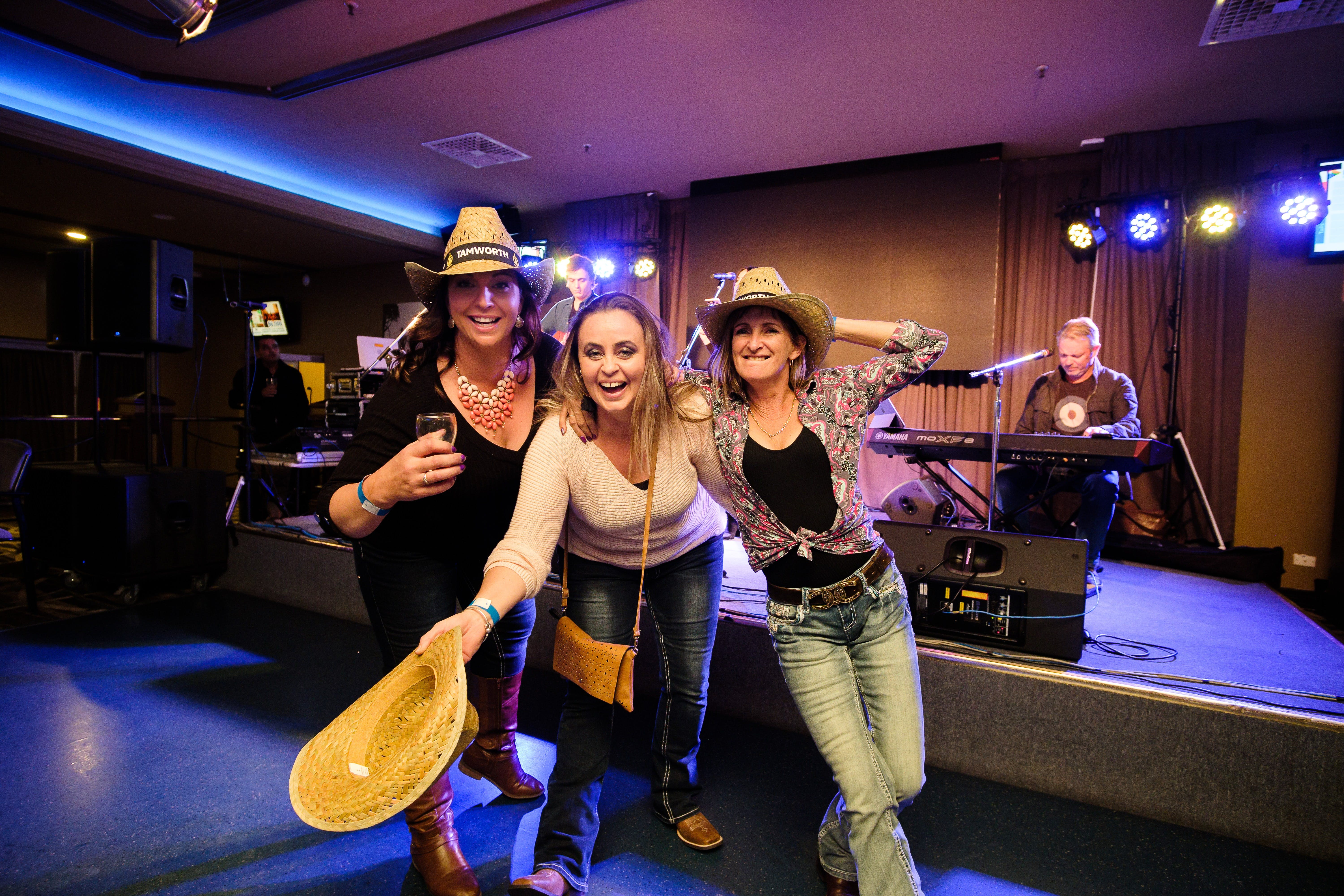 Hats Off to Country Music Festival - Lightning Ridge Tourism