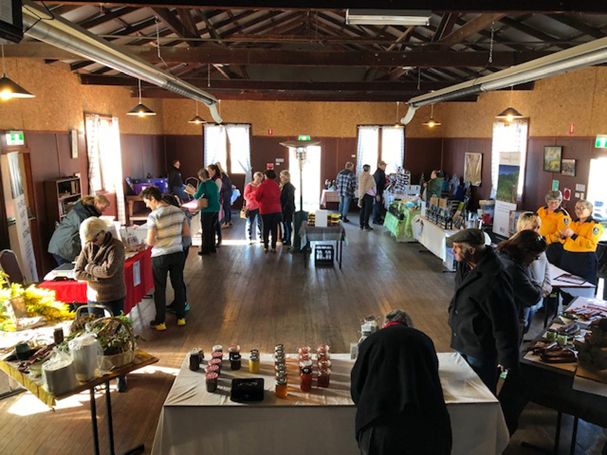 Nerriga Produce Market - Lightning Ridge Tourism