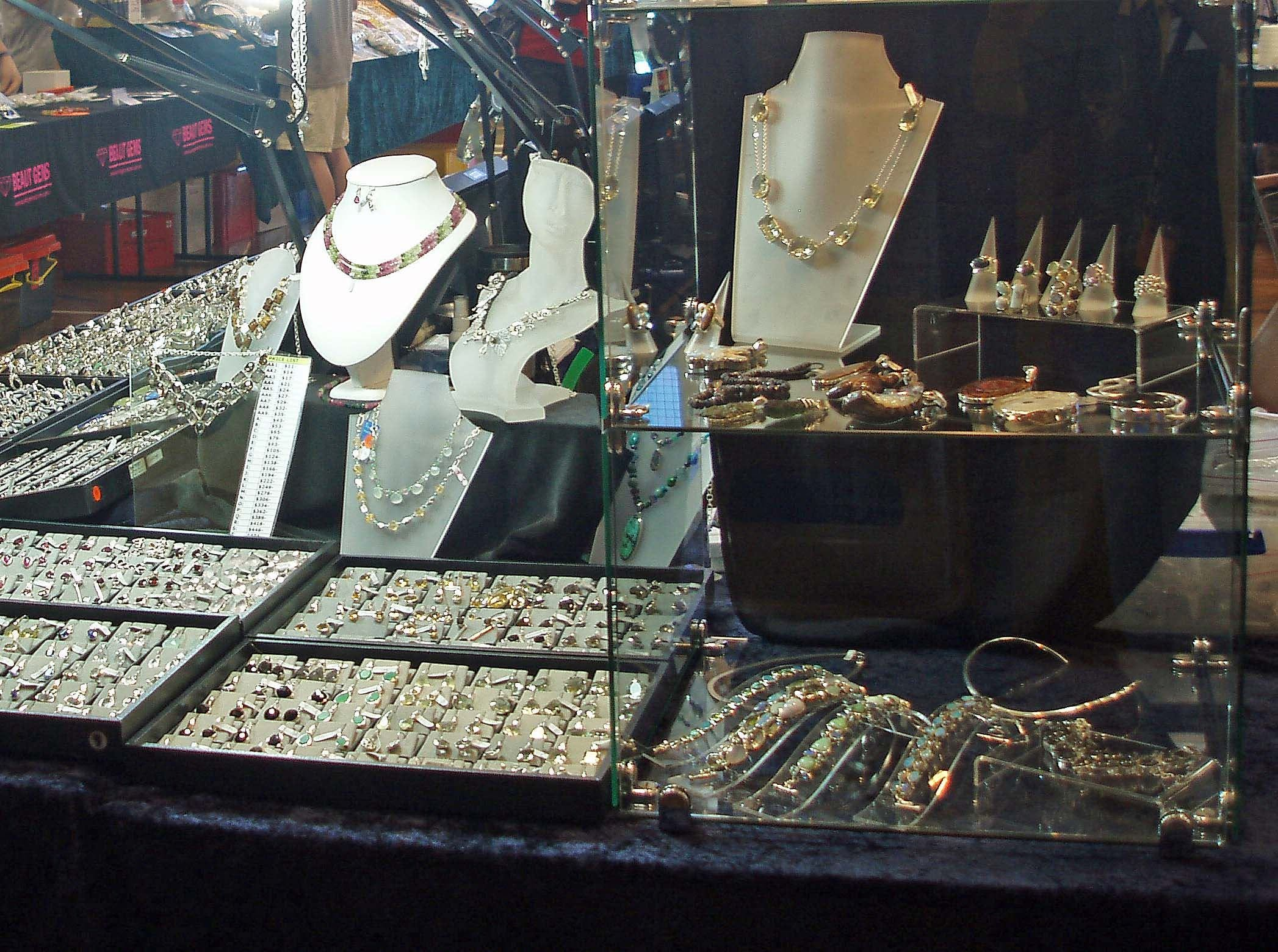 Toowoomba Gemfest - Gems and Jewellery - Lightning Ridge Tourism