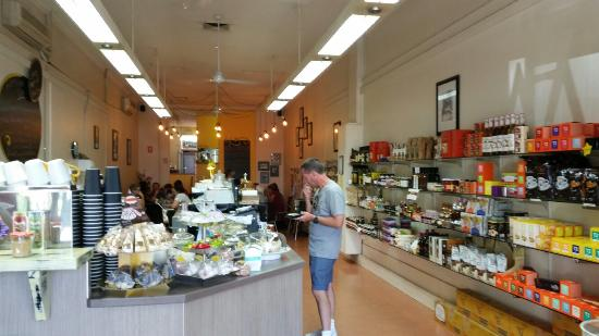 Yellow Belly Deli - Lightning Ridge Tourism