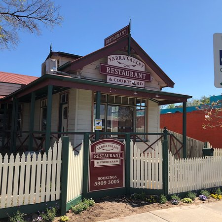 Yarra Valley Restaurant and Courtyard - Lightning Ridge Tourism