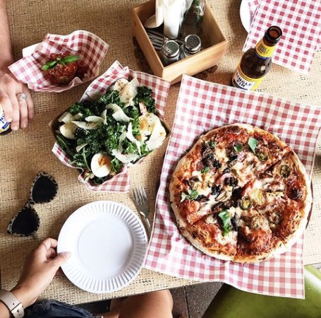 Tropicana Pizza Pizza - Lightning Ridge Tourism