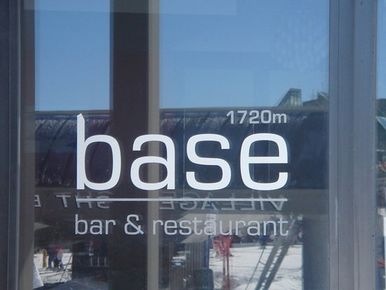 Base 1720 Bar  Restaurant - Lightning Ridge Tourism