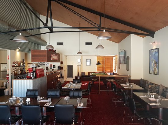 Stallions Restaurant  Bar - Lightning Ridge Tourism
