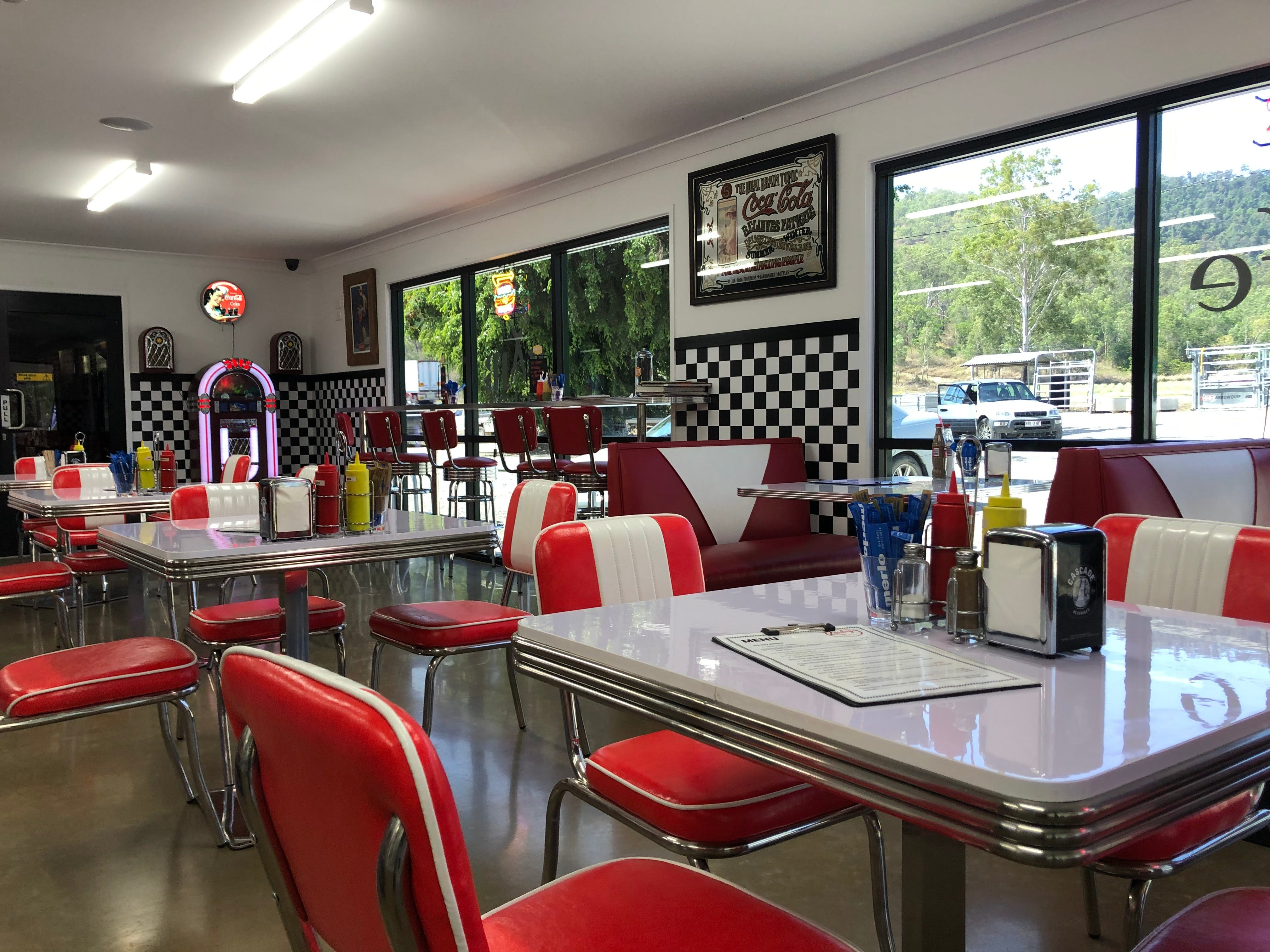 Zarby's Caf - Lightning Ridge Tourism