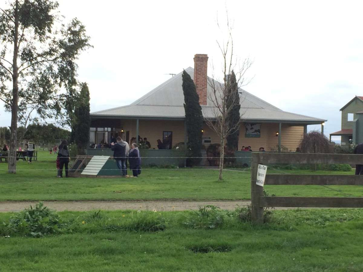 Caldermeade Farm Cafe - Lightning Ridge Tourism