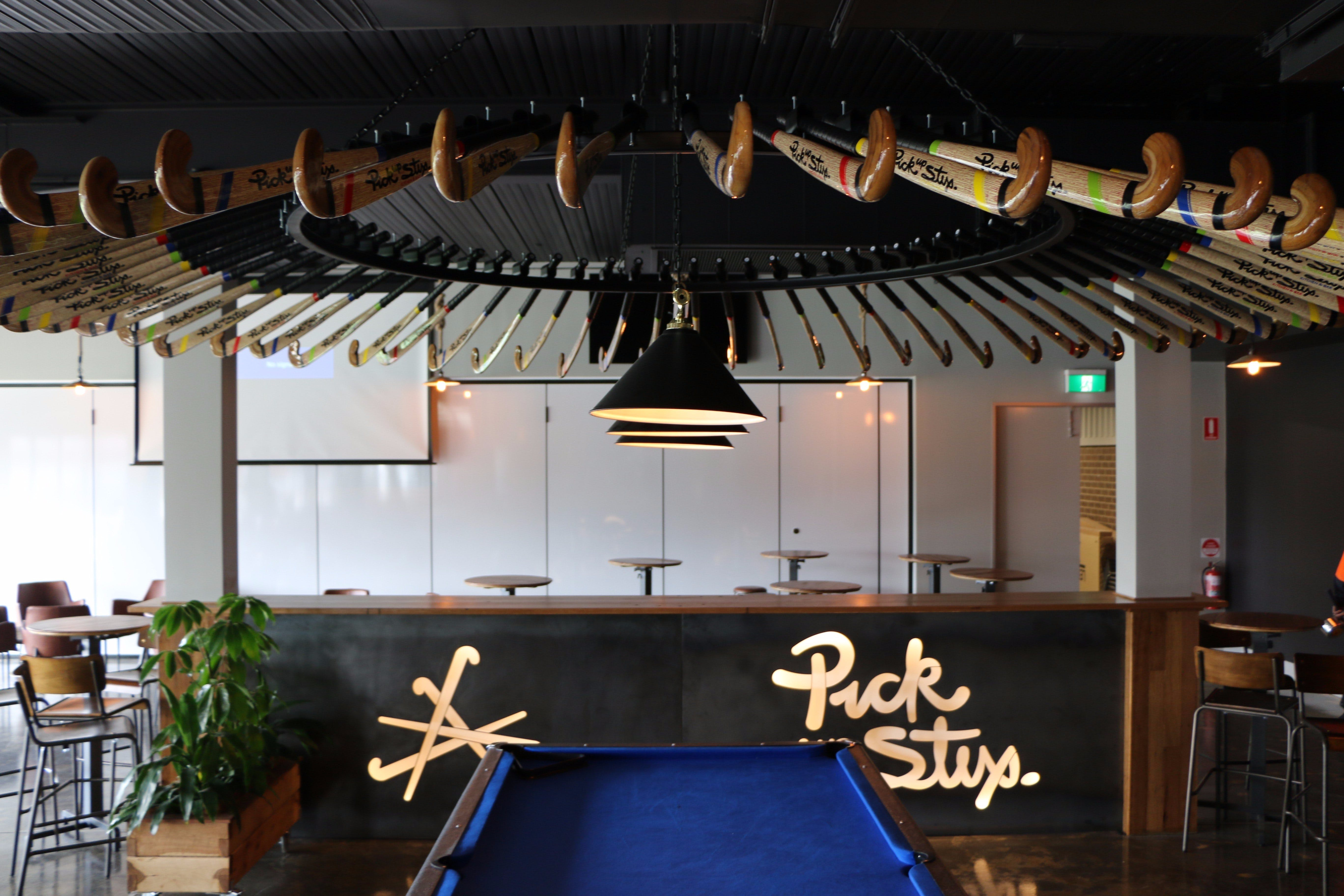 Pick Up Stix - Lightning Ridge Tourism