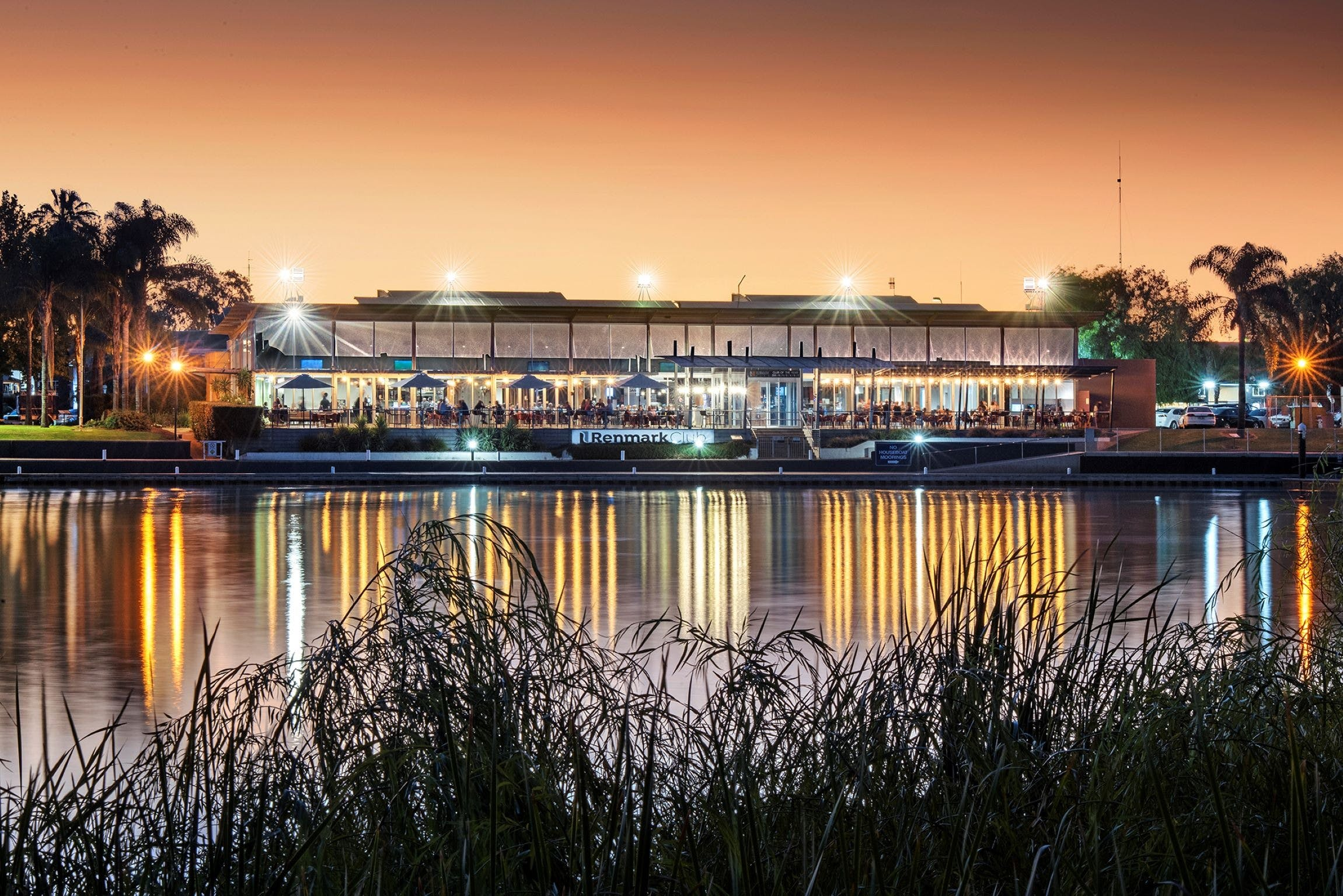 Renmark Club - Lightning Ridge Tourism