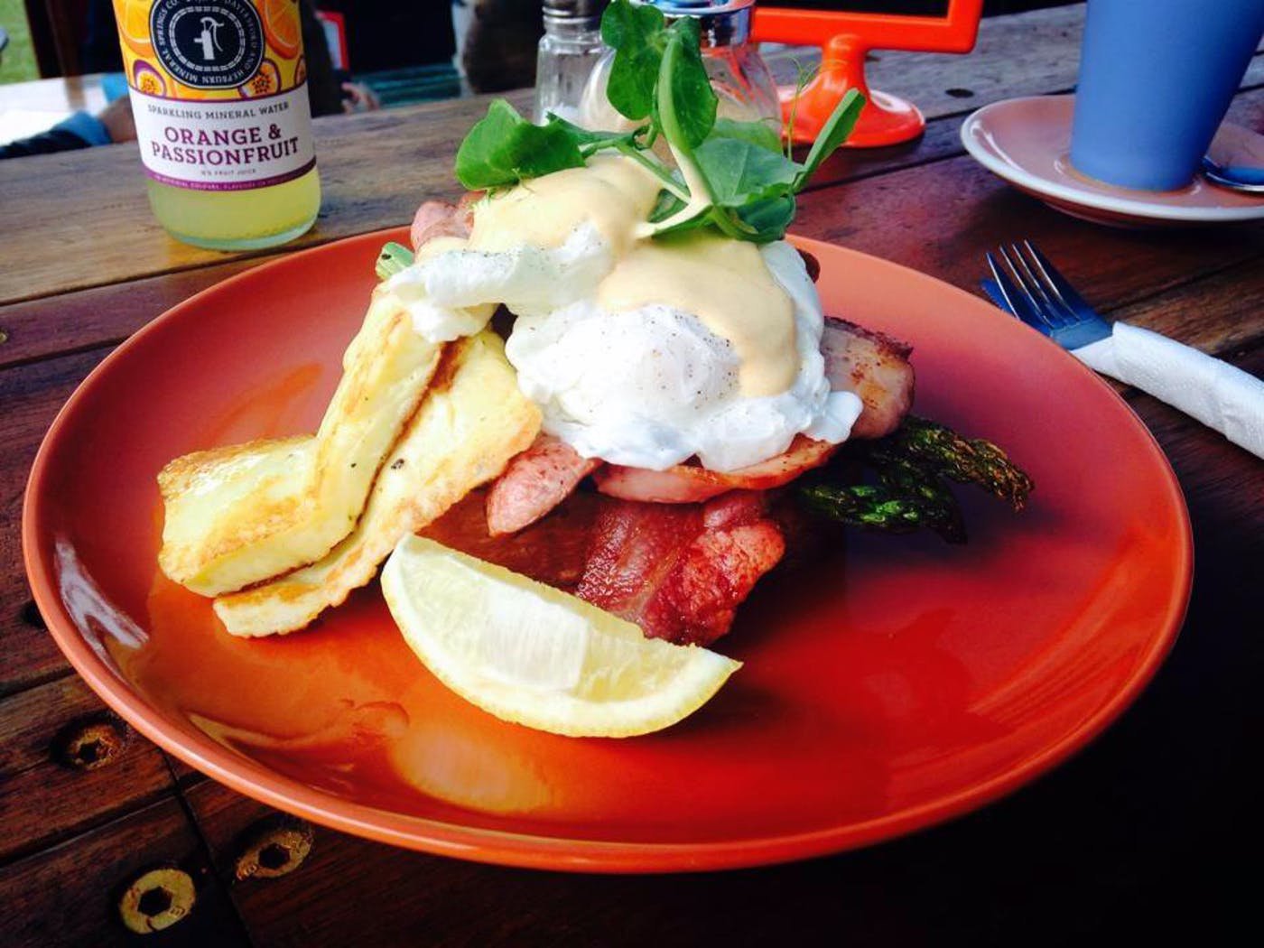 The Monkey Bar Cafe - Lightning Ridge Tourism
