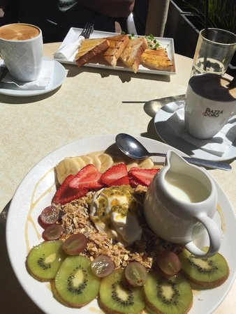 Cafe Injoy - Lightning Ridge Tourism