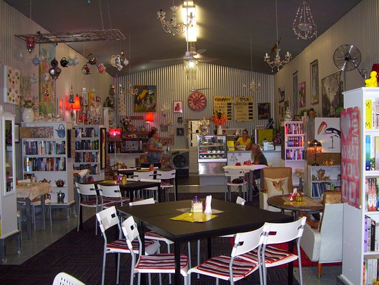 Noelene's Book Cafe - Lightning Ridge Tourism