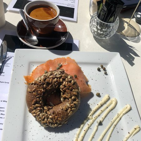 TwinFins Espresso Bar - Lightning Ridge Tourism
