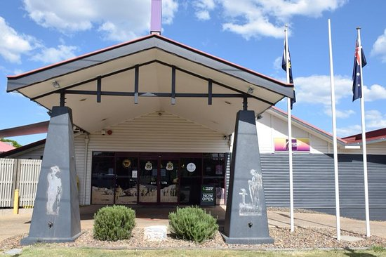 Nanango RSL Memorial Services Club - Lightning Ridge Tourism