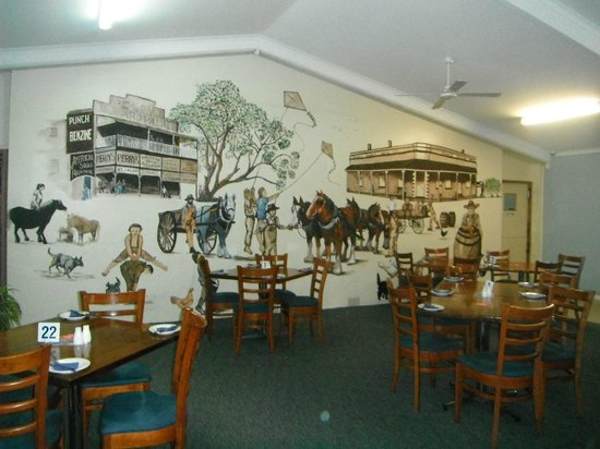 Prince Edward Hotel - Lightning Ridge Tourism