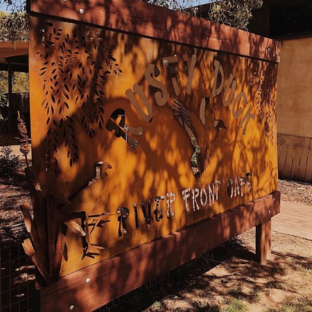 Rusty Duck River Front Cafe - Lightning Ridge Tourism