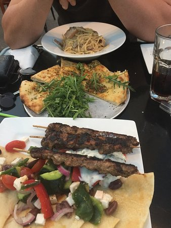 Smokehouse Pizza Cafe - Lightning Ridge Tourism
