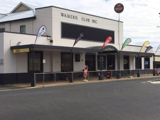 Waikerie Community Club - Lightning Ridge Tourism