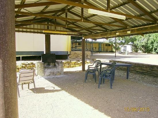 Belyando Crossing Roadhouse - Lightning Ridge Tourism