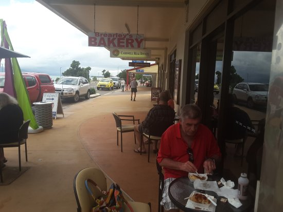 Brearley's Bakery - Lightning Ridge Tourism