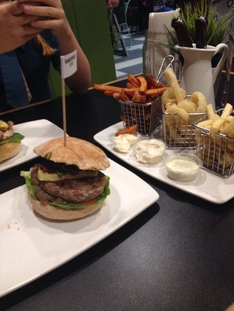 Burger Urge - Lightning Ridge Tourism