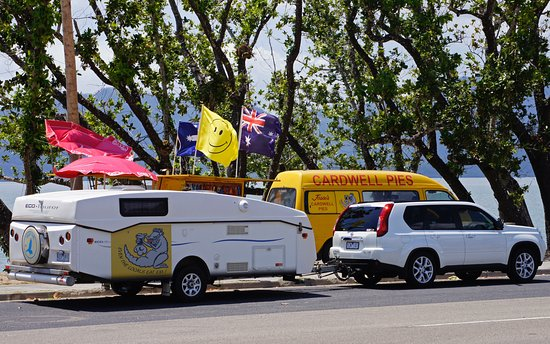 Jessies Cardwell Pies mobile Van - Lightning Ridge Tourism