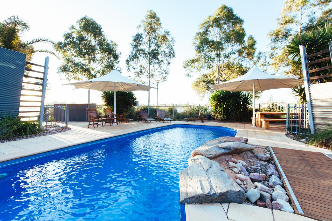 Majestic Oasis Apartments - Lightning Ridge Tourism